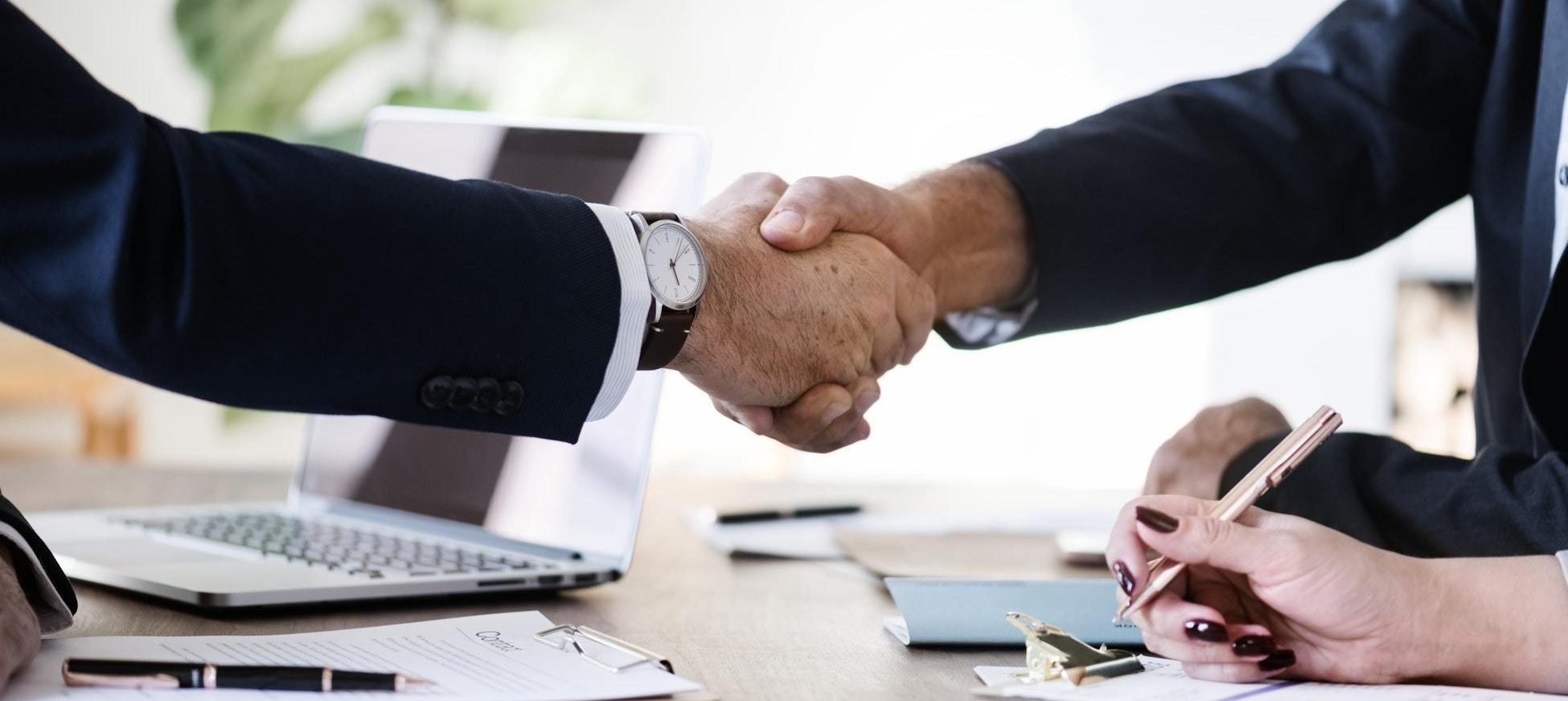 mobile-tec-handshake